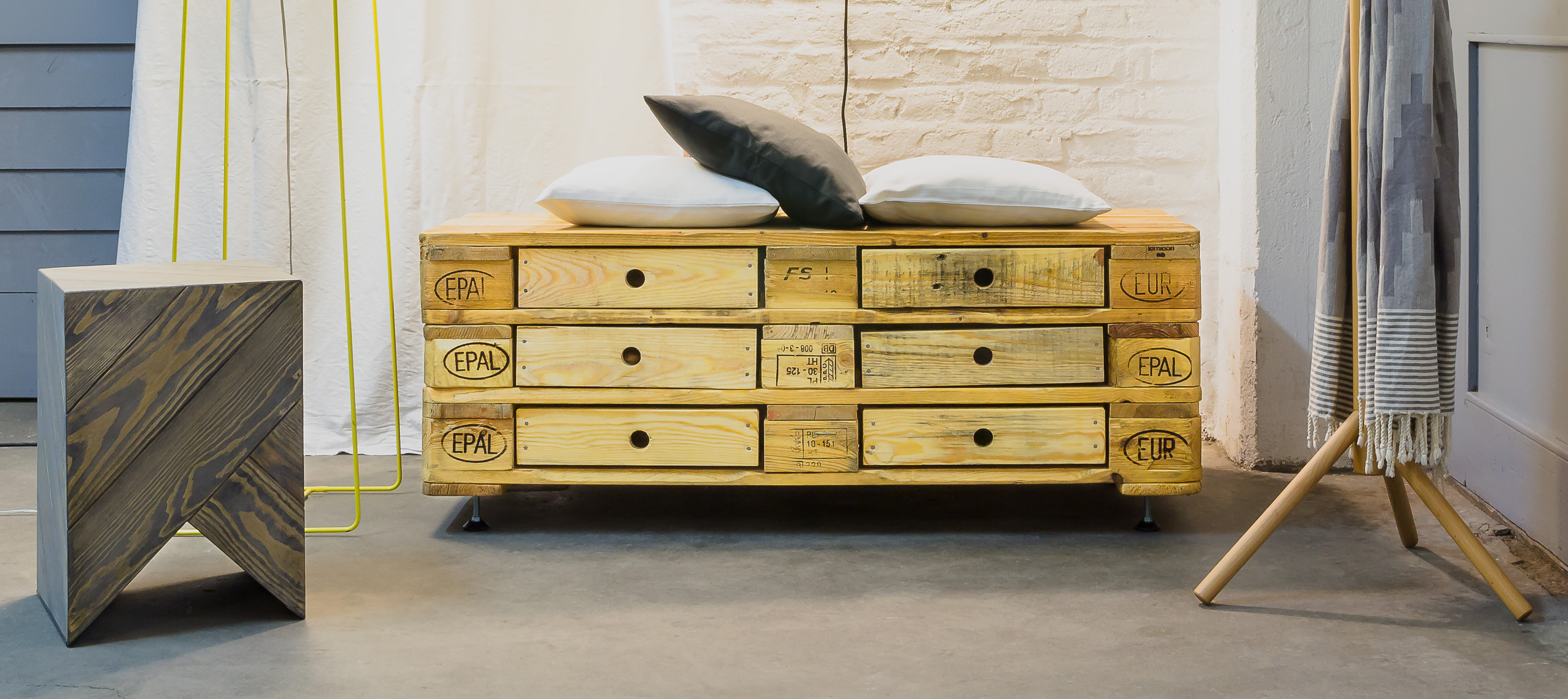 Pallet furniture for Banc en bois de palette