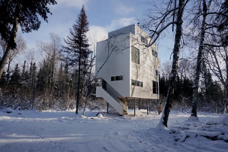 din-pole-house-1-1
